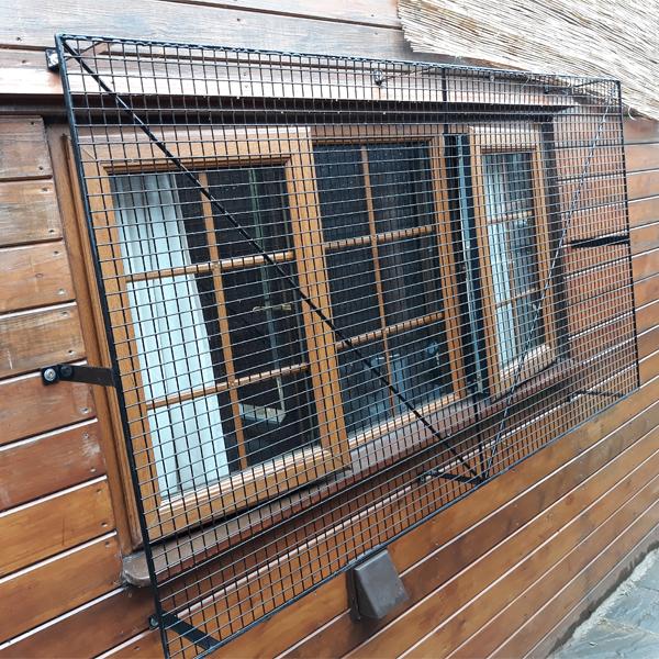 Wire-Mesh-Cabin-Window-Guard