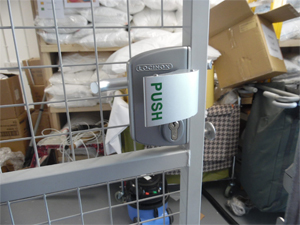 Push Pad & Handle Locking