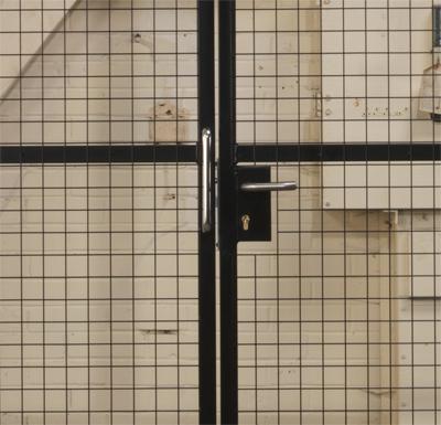 Handle Locking on Sliding Door Partitions