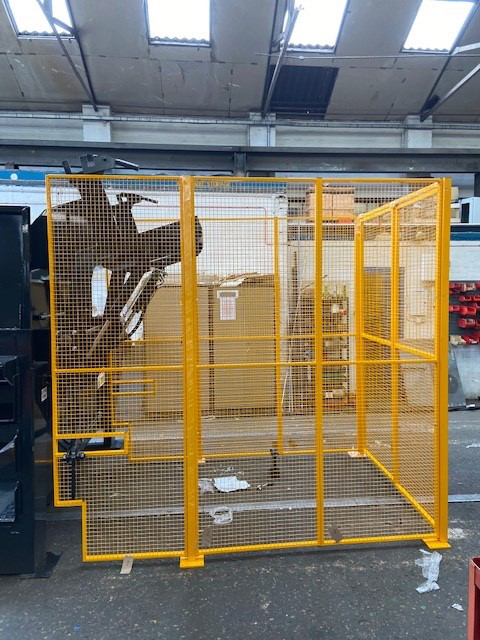 Waste Facility Wire Mesh Safety Enclosure